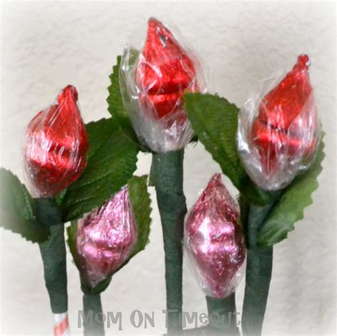 Adorable Hershey Kiss Roses For Valentines Day Debt
