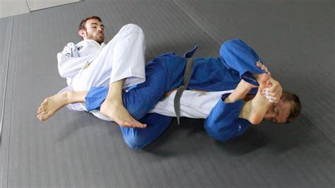 ultra fast sweep  toehold kneebar submission jiu