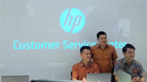 hp indonesia luncurkan service center  mangga dua