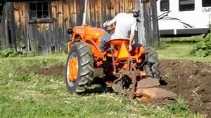 Allis Chalmers Ca Spring Plowing