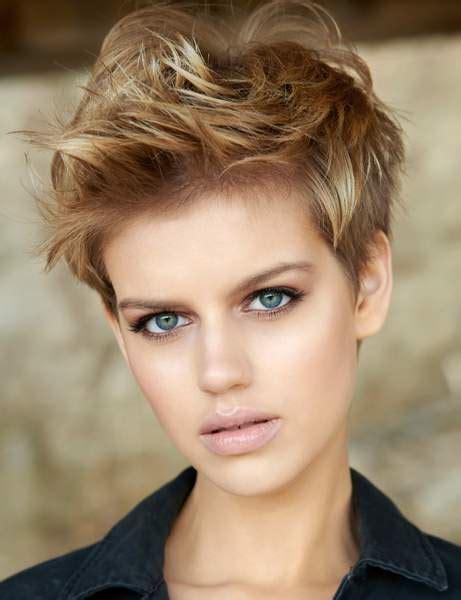coupes courtes femmes 2018 les tendances coupe de cheveux du printemps 233 t 233 2018 femme actuelle