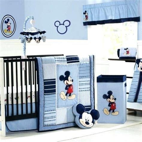 chambre bébé gris et bleu decoration chambre de bebe garcon belles pour la