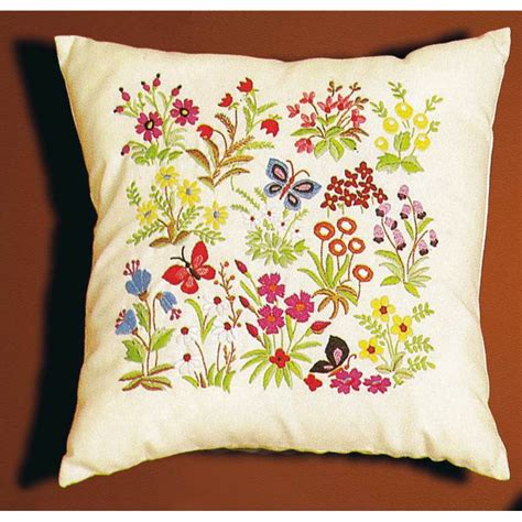 coussin d alliance a broder coussin 224 broder vetement fille pas cher