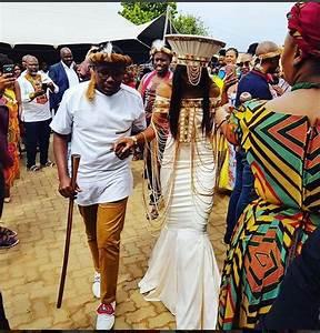 Khaya mthethwa and ntando kunenes traditional wedding for Typical wedding photos