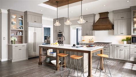 center islands for kitchen yorktowne cabinetry kitchen cabinets and bath cabinets