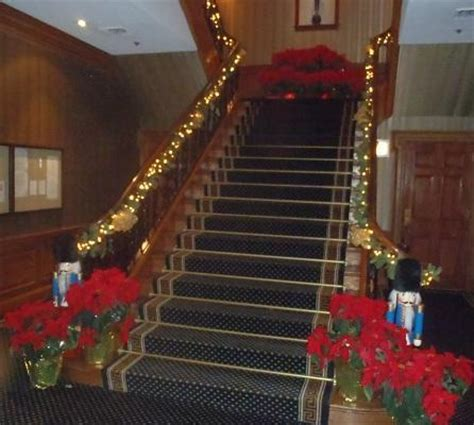 decorating  staircase  christmas celebrations