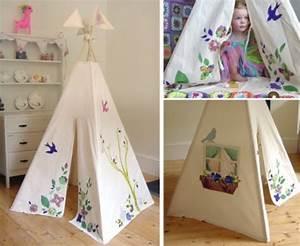 Niedliches Tipi Indianer Zelt Im Spielraum Ihrer Kinder