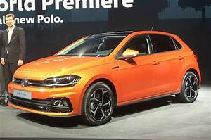 Volkswagen Polo 2017 : 2017 volkswagen polo revealed new pictures of ford fiesta rival autocar ~ Maxctalentgroup.com Avis de Voitures