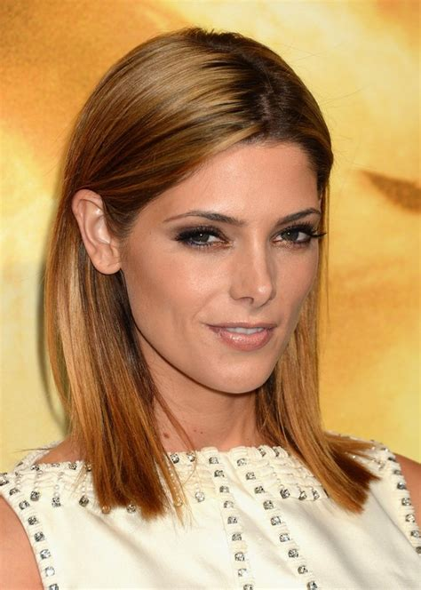 ashley greene shoulder length striaght hairstyle for night