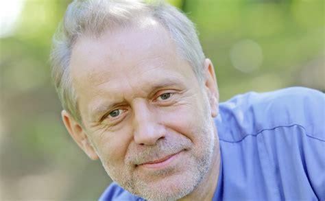 Slavenā reanimatologa Pētera Kļavas privātā dzīve: ar ...
