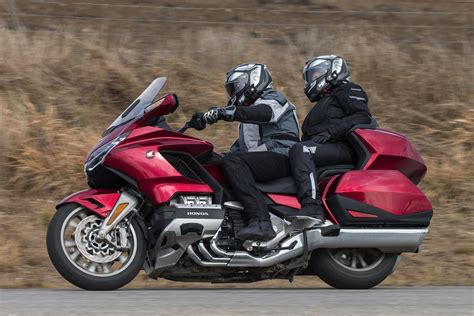 Honda Goldwing by 2018 Honda Gold Wing Tour Dct Review 34 Fast Facts