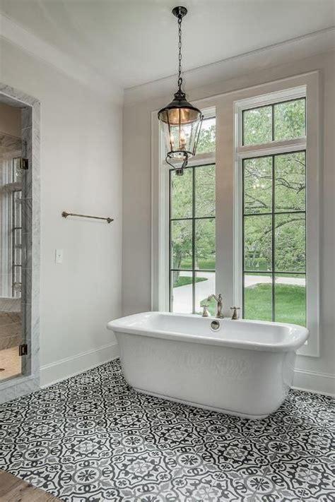 Black And White Tiled Bathrooms by Best 20 Mediterranean Bathroom Ideas On