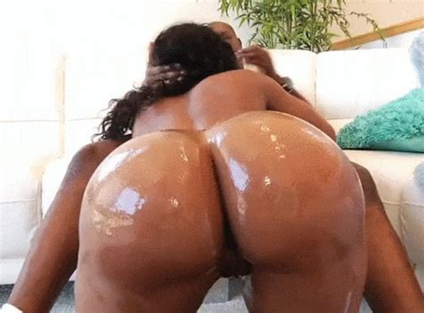 Black Bitch With Big Oiled Booty Sucking Cock Greasedbabes