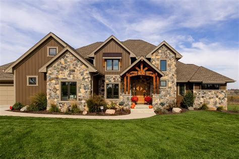 plan ah gorgeous craftsman house plan  mother  law suite home craftsman house