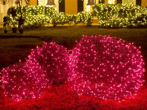 christmas yard decorations hgtv