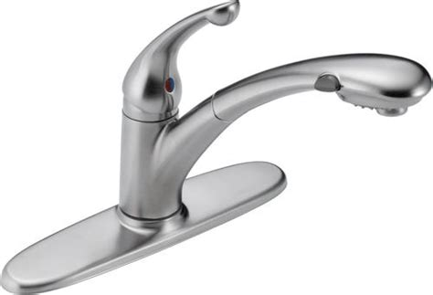 Delta Kitchen Faucets At Menards by Delta 174 Signature 174 Single Handle Pull Out Sprayer Kitchen