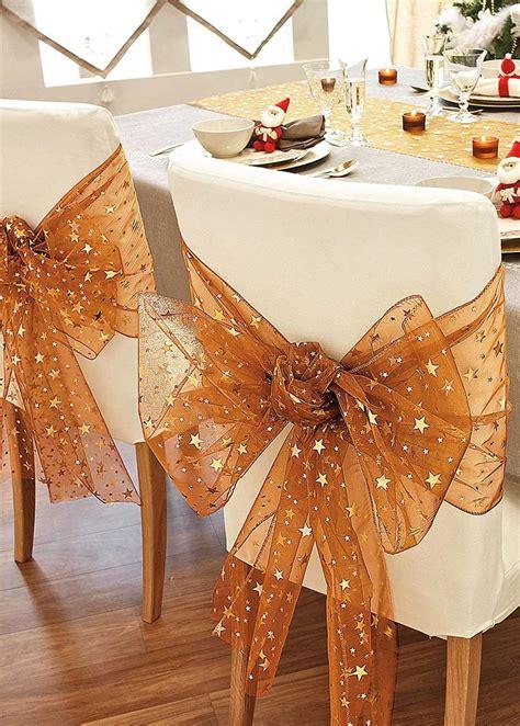 decora las sillas de tu comedor en navidad  estas
