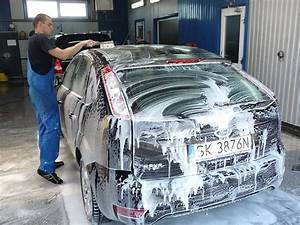 Laver Sa Voiture Chez Soi : laver sa voiture la main le lavage manuel ~ Gottalentnigeria.com Avis de Voitures