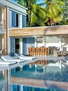 les 10 accessoires indispensables pour la piscine blog With bar exterieur pour piscine