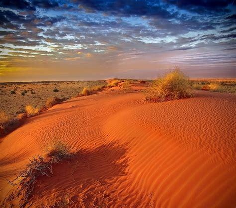 Iniziano a surriscaldarsi i deserti australiani, si raggiungono già i +45°C sulle città più ...