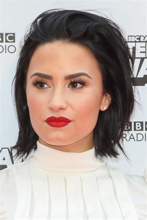 demi lovatos hairstyles hair colors steal  style