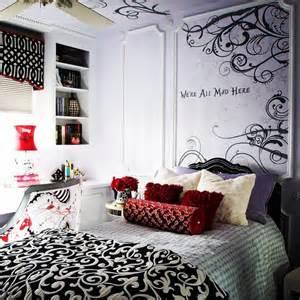 Alice In Wonderland Bedroom Decor by Alice In Wonderland Bedroom Design Ideas Pictures