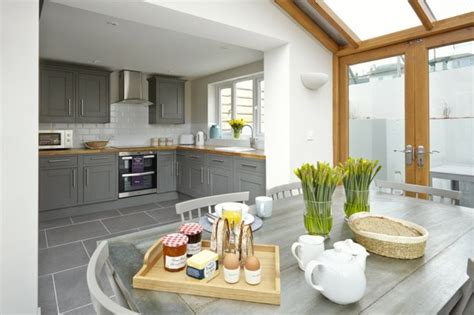 cuisine ouverte grise davaus cuisine moderne ouverte sur salle a manger