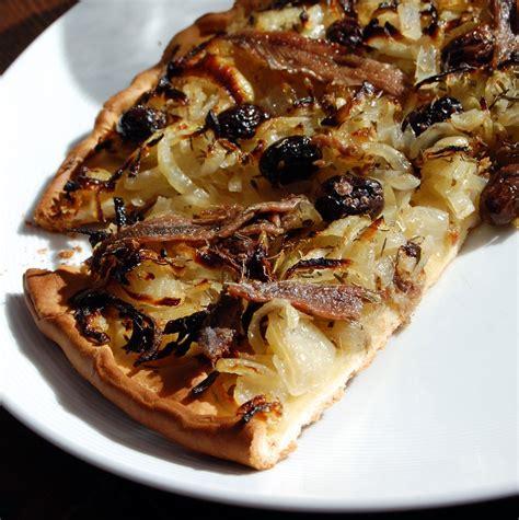 cuisine nicoise recettes pissaladière recette de pizza à la mode niçoise cuisine