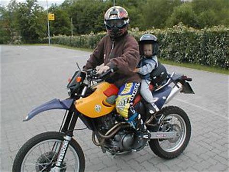 kinder auf motorrad motorrad roller atv kindersitze