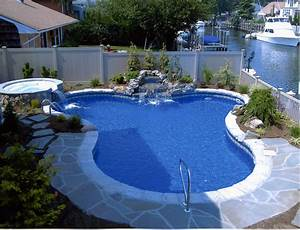 Backyard landscaping ideas swimming pool design for Backyard swimming pools designs