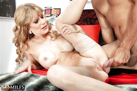 mature mom denise day revealing big tits in stockings