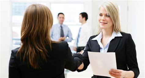 ¿Sabes cómo puedes destacar en una entrevista laboral ...