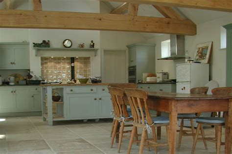 Choosing Stone Flooring For Your Kitchen