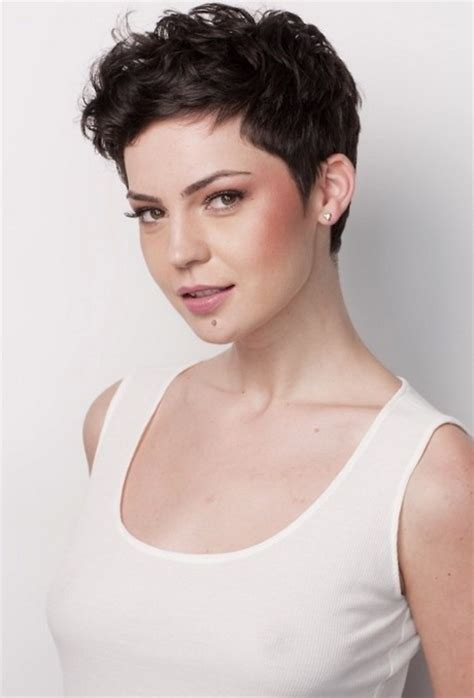 Wavy Pixie Hairstyles pixie haircut for wavy hair