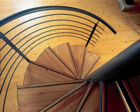 Spindeltreppe 360 Grad Treppendynamik by Treppen Schreinerei Blendl Stuttgart