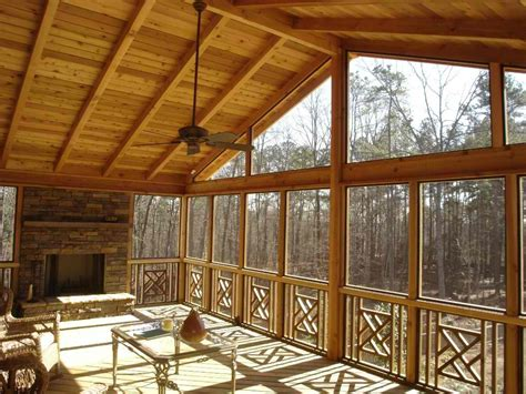 what is the difference in a screened porch a 3 season