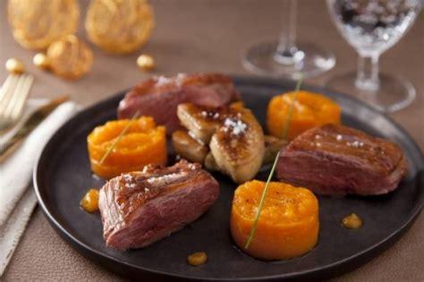 cuisiner magret de canard a la poele recette de magret de canard et foie gras poêlé variation
