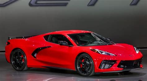 Mid-engine, 495 Hp, More Tech