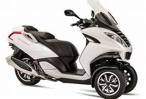 Moto A 3 Roues : pr sentation du scooter 3 roues moto 3 roues peugeot motocycles metropolis ~ Medecine-chirurgie-esthetiques.com Avis de Voitures