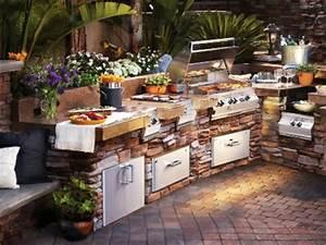 Feuerstelle Aus Stein : outdoor k che mit grill ausgestattet ~ Michelbontemps.com Haus und Dekorationen