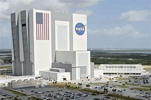 Rocket renovations ending public tours of NASA's Vehicle ...