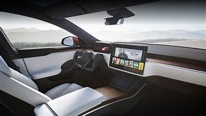 Tesla Updates the Model S With a New Interior, 520 Mile Range