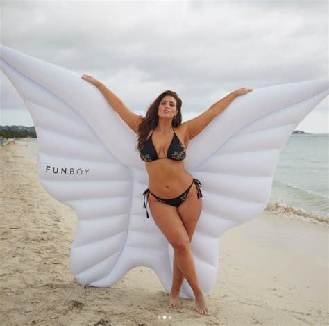 Ashley Graham – Style | Bikini selfie, Celebrity swimsuits ...