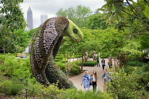 plant sculpture giant living sculptures at atlanta botanical gardens exhibition bored panda