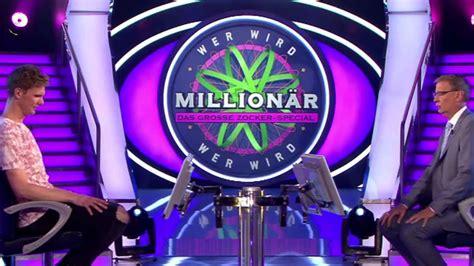 """Diese reckte die daumen in die höhe, als jauch die kandidatin plötzlich bat aufzustehen. """"Wer wird Millionär?"""": Münchner Radio-Moderator Lutz ..."""