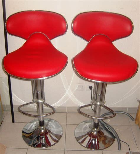 réparer chaise de bureau réparer un tabouret en simili cuir