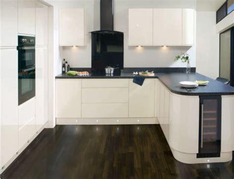 kitchens designs uk 10 best kitchen trends of 2017 modern kitchen design ideas 3558