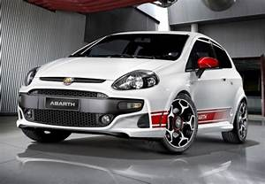 Abarth Punto Evo : used abarth punto evo cars for sale on auto trader uk ~ Gottalentnigeria.com Avis de Voitures