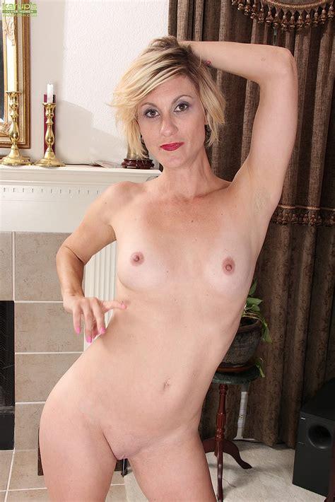 Naughty Blonde Milf Jayden Monroe Pleasure Her Pus
