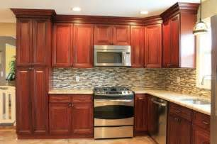 kitchen cabinets backsplash cherry kitchen cabinets tile backsplash